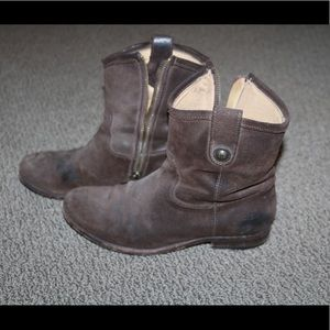 FRYE COMPANY Brown Leather Short Boot